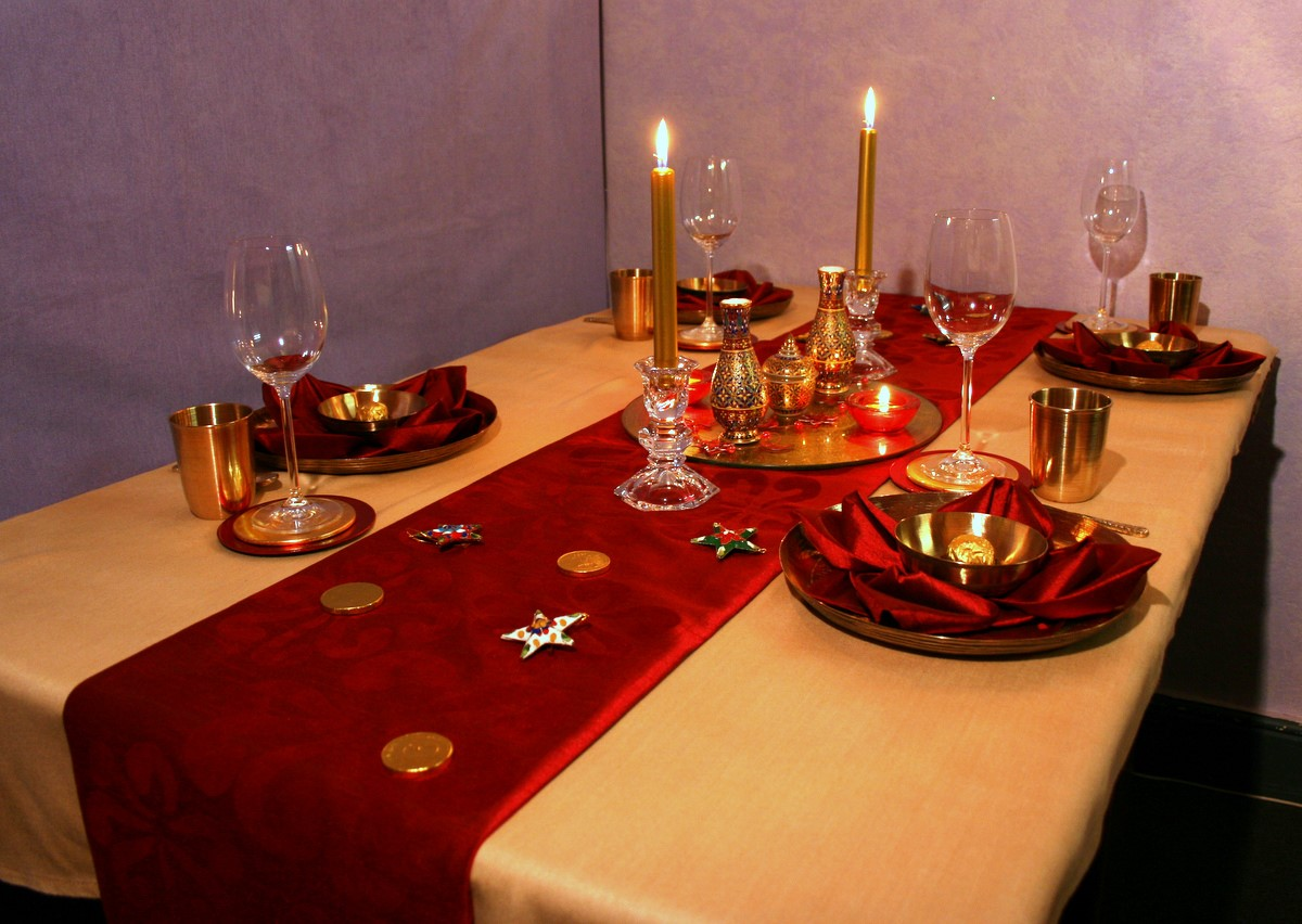 Diwali decoration ideas table decoration diwali table for Table decoration design