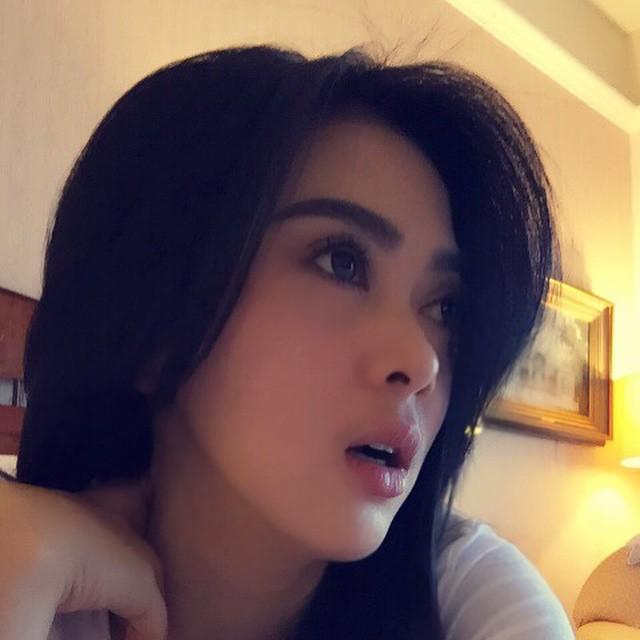 Foto Cantik Syahrini Tanpa Make Up