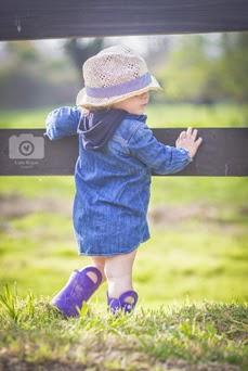 sesión fotográfica de niña en el campo