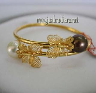 gelang emas model kupukupu mutiara air laut