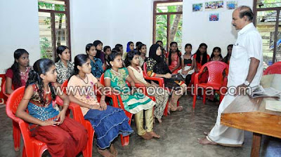 Counseling Class, Woman, Girl, Kookkanam Rahman, Article, Class, Bus, Missed Call