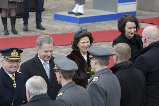 King Carl XVI Gustaf of Sweden, Finland's President Sauli Niinisto, Queen Silvia of Sweden and Niinisto's wife Jenni Haukio attend a welcoming ceremony at the Presidential Palace in Helsinki