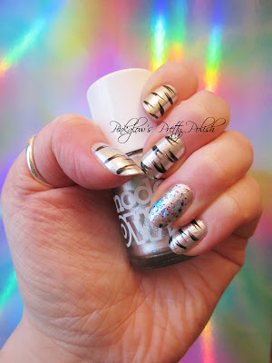 white_tiger_and_glitter_nail_art