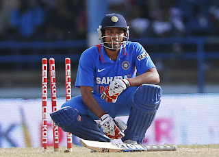 Rohit-Sharma-Bowled-Final-India-vs-Srilanka-Tri-Series-2013