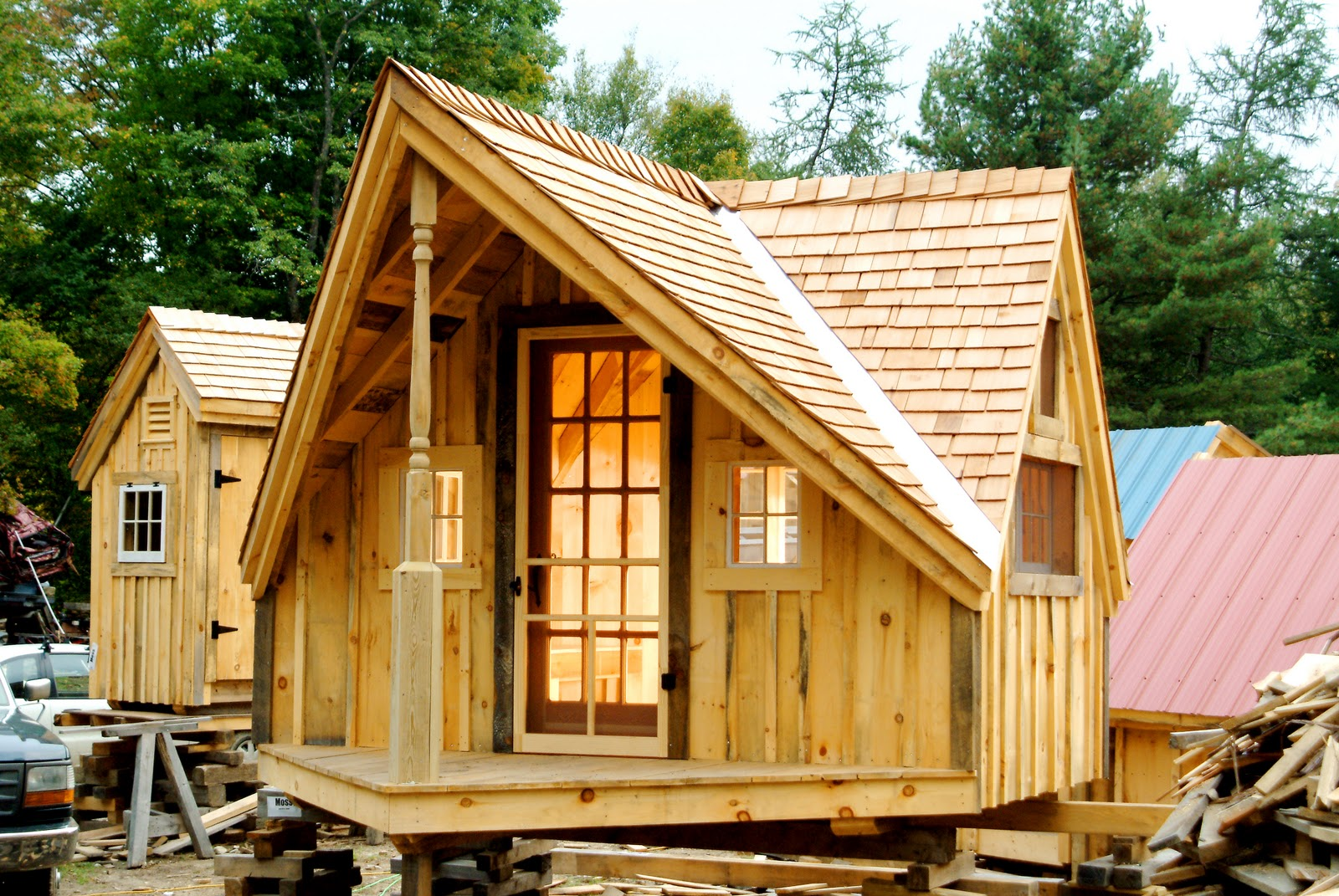 Six free plan sets for tiny houses cabins for Small hot house plans
