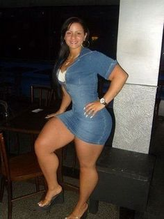 Phat ass en una falda corta 4