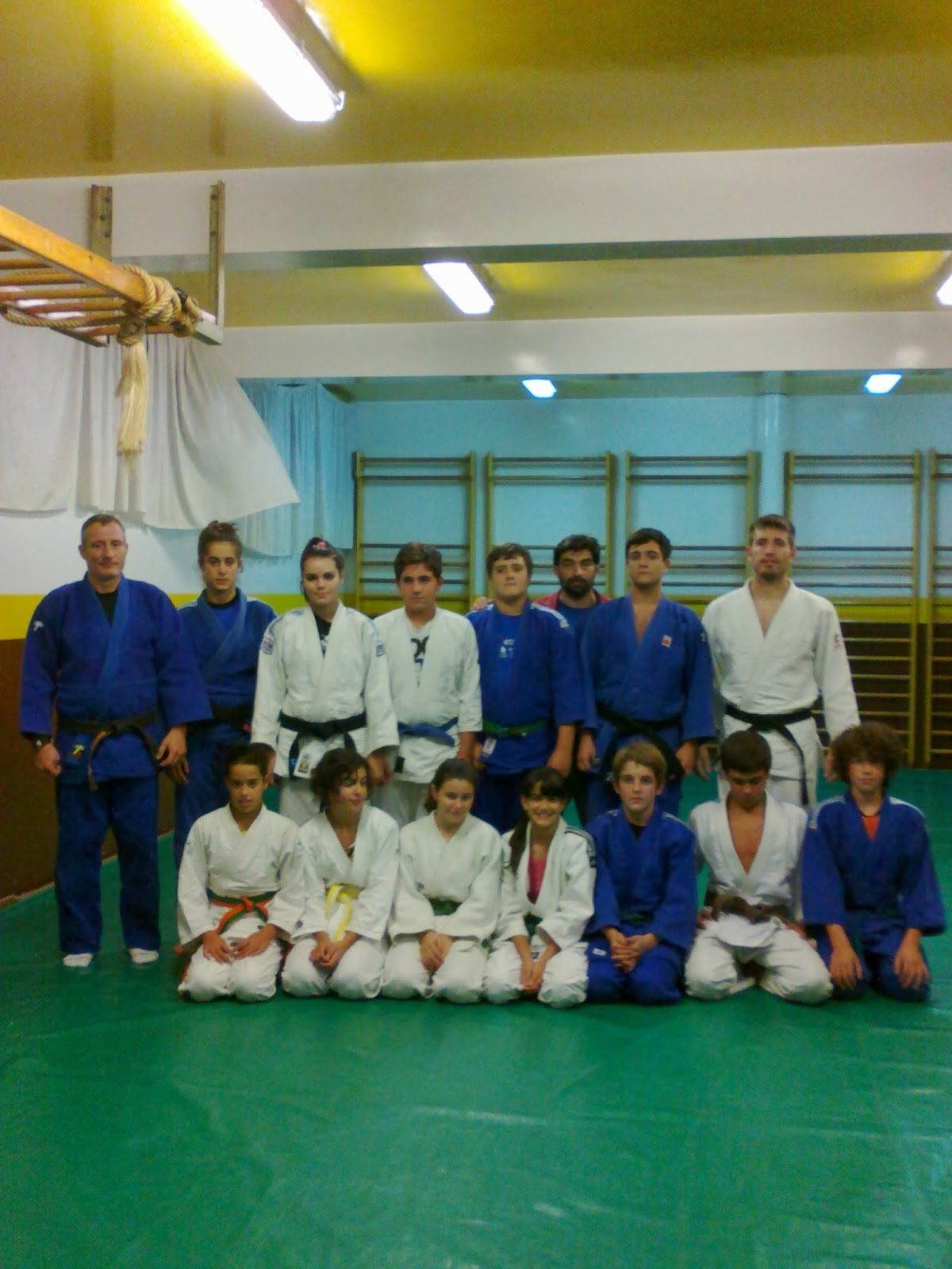 Sintonia deportiva oleiros alumnos del ceip a rabadeira for Gimnasio oleiros