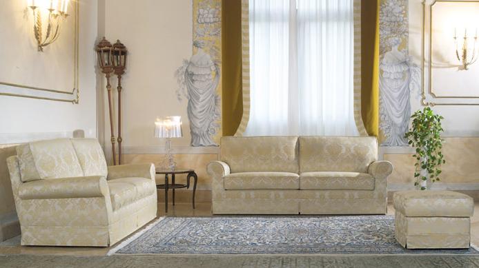 Divani blog tino mariani divani classici eleganza for Divani per salotto