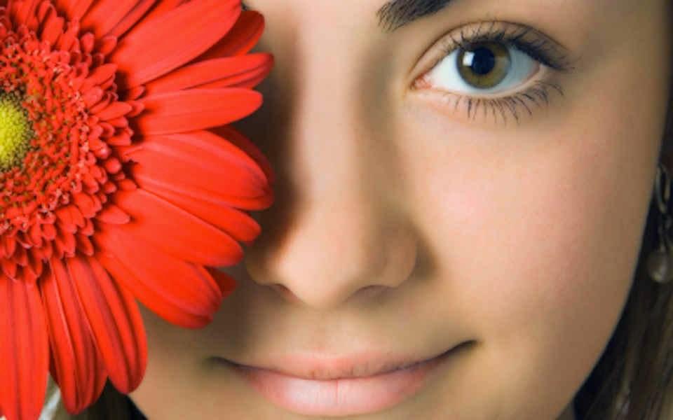 Cara Memutihkan Wajah Secara Alami 3