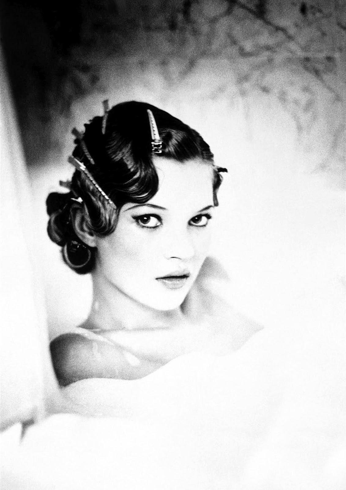http://2.bp.blogspot.com/-ltCBuOUxVsc/T9ShZCfHeXI/AAAAAAAAwkA/sZ7me_dZCnk/s1600/Kate+Moss+Vogue+Italia+by+Ellen+Von+Unwerth.jpg