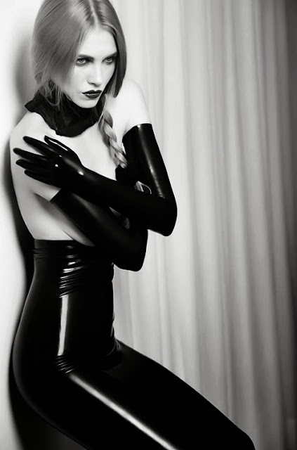 Fetish Inspirations : Simply Latex
