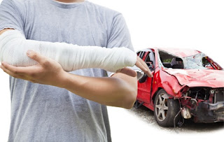 Personal Injury Lawyer Helping Auto Accident Injury Victims