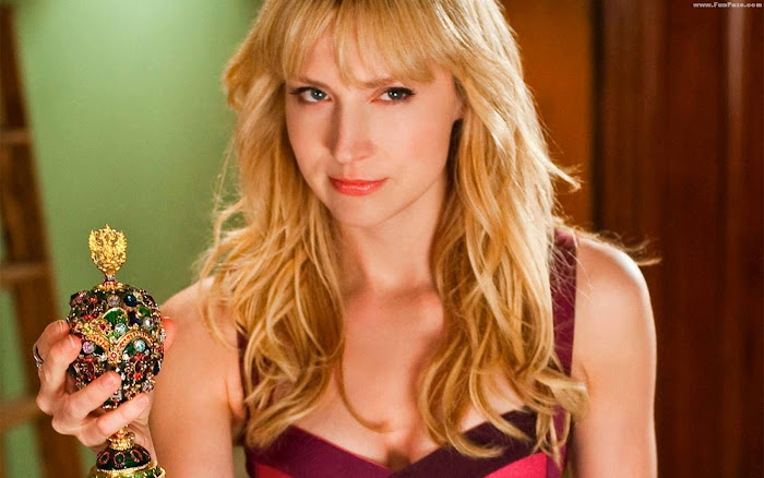 Beth Riesgraf HD Wallpaper -08