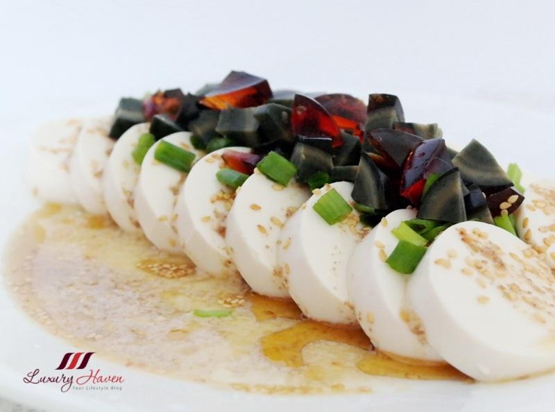 chilled century egg tofu 凉拌皮蛋豆腐