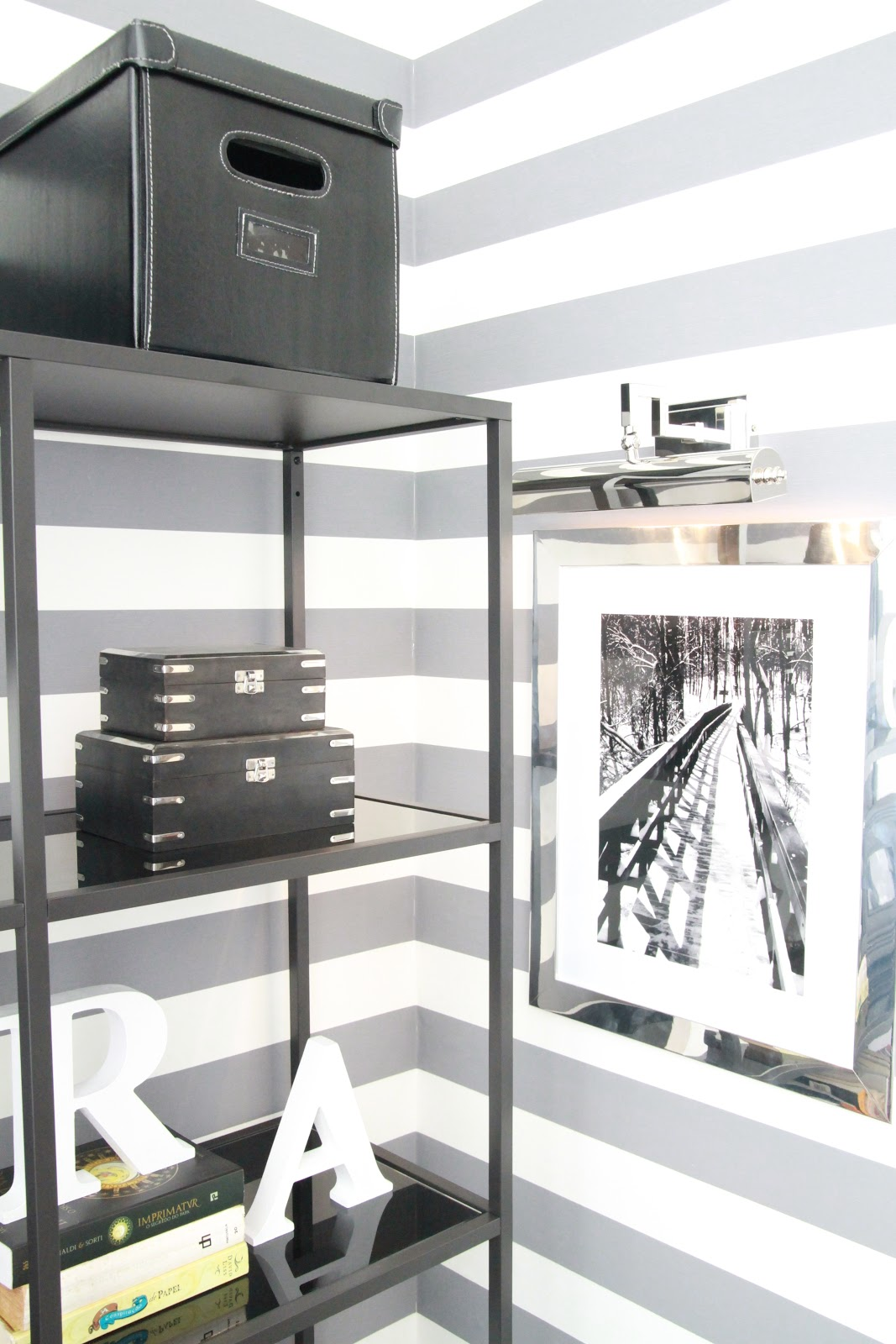 Home styling ana antunes credits for the show - Papel pared leroy ...