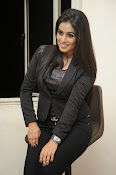 Actress Poorna latest photos-thumbnail-2