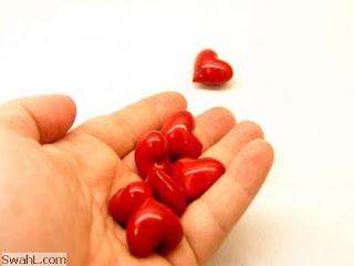 رمزيات قلوب باليد اجدد واحدص
