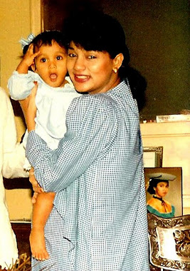 Bella Fawzi saat 10 Bulan dan Ibunya Marissa Haque sdg Hamil Kiki, 1989