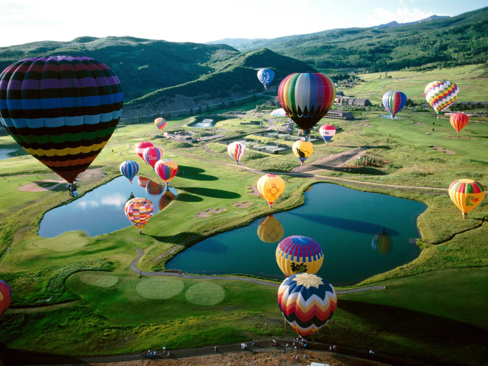 http://2.bp.blogspot.com/-luH129FUULM/UP_YYwHQBqI/AAAAAAAARbE/vAEuQwWAsyg/s1600/Hot+Air+Balloons+Wallpapers+04.jpg