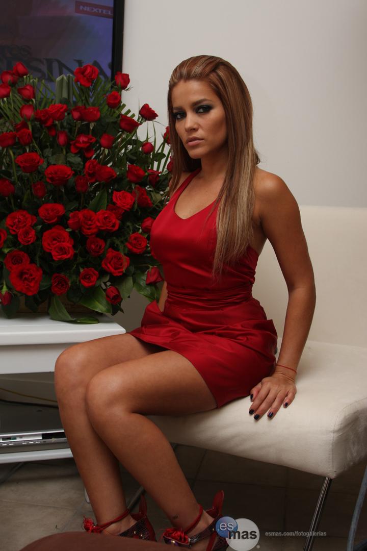 http://2.bp.blogspot.com/-luJGxJlKrXk/UI8T68fjgkI/AAAAAAAAGpQ/uf2VW6UD4_k/s1600/_Adriana-Fonseca2-df596310-be31-102c-80b6-0019b9d5c8df.jpg