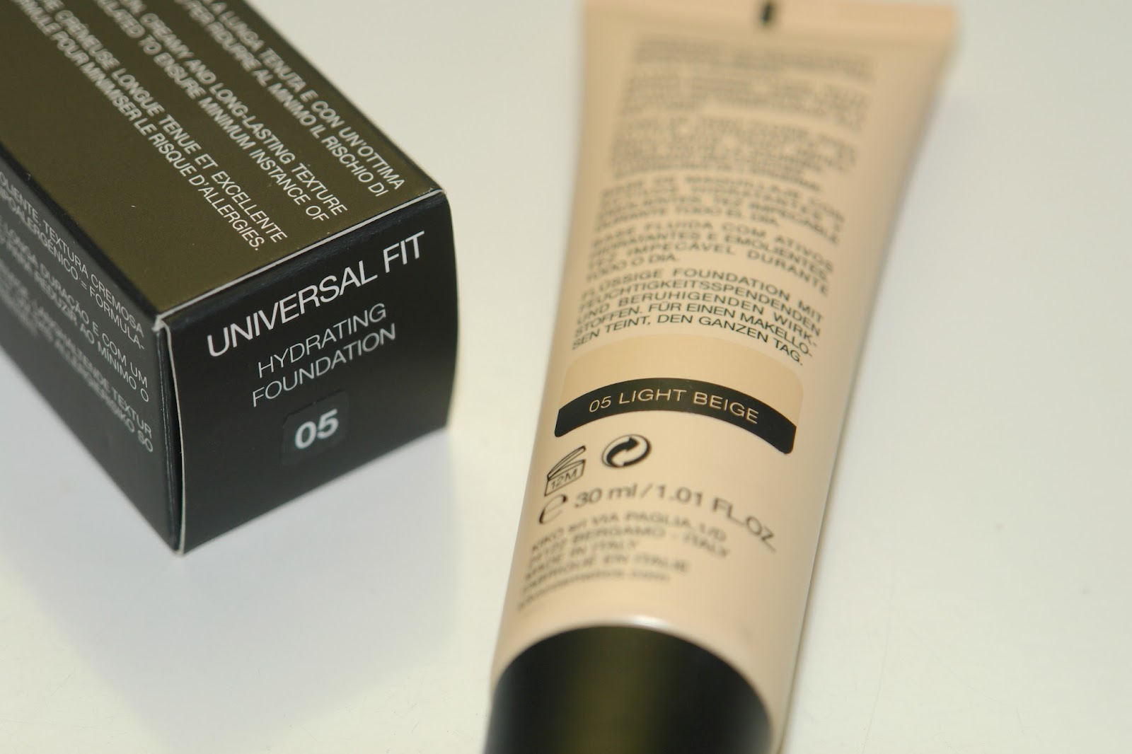 KIKO Universal Fit Hydrating Foundation review, foundation, KIKO, make up, review, beauty blogger