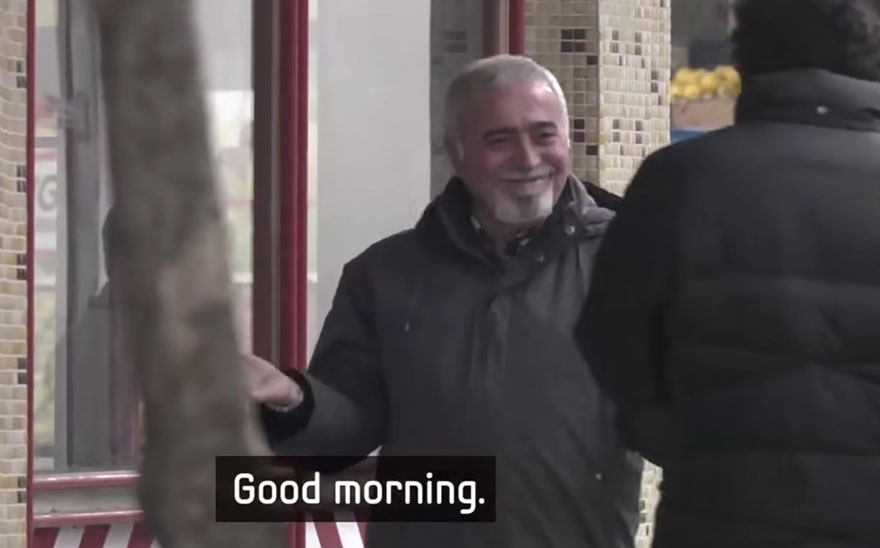 "Entire Neighbourhood Secretly Learns Sign Language To Surprise Deaf Neighbor - …and were greeted with an unexpected ""good morning"" – in sign language!"