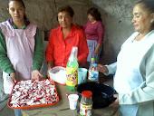 Preparación de rábanos en vinagre y verduras en escabeche