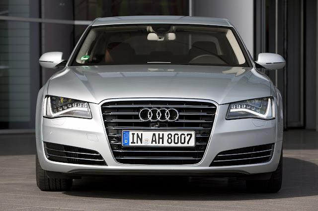 передний вид Audi A8 Hybrid 2012 года