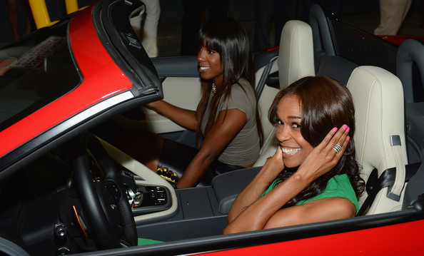 photo of Michelle Williams  - car