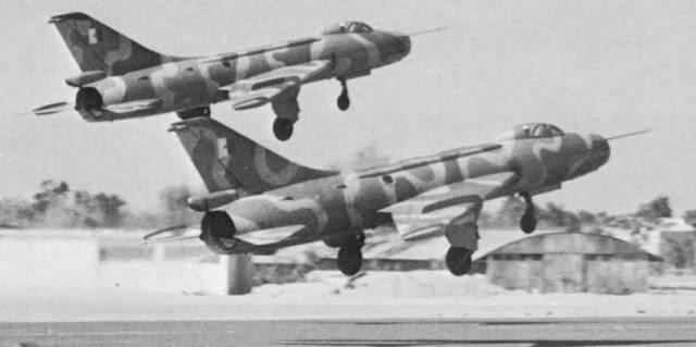 Avions HS n°37 : la guerre du Kippour Su-7BMK+alg%C3%A9riens-