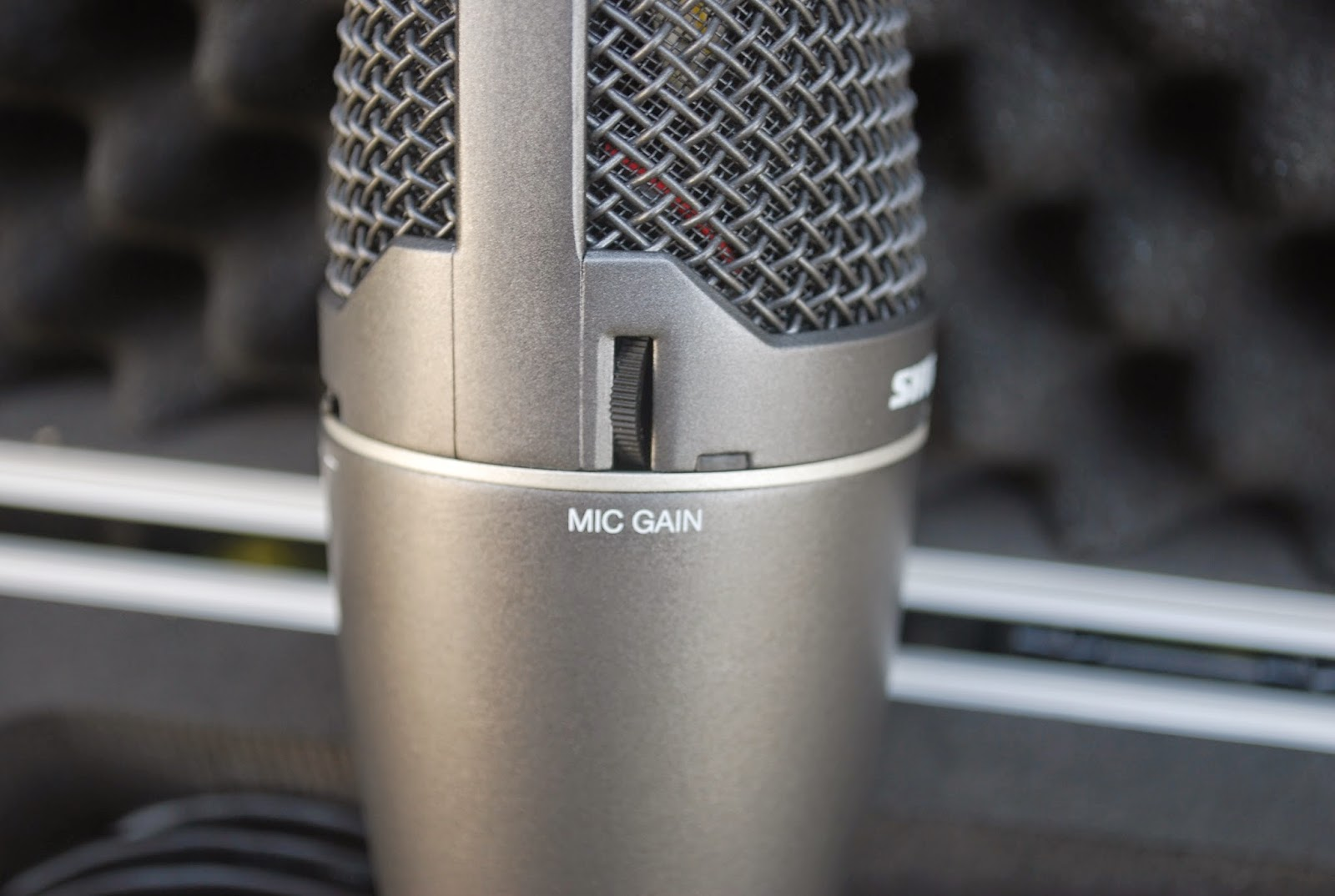 how to stop audio playback from microphone