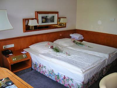 Habitación Gunnewing Hotel Residence, Bonn, Alemania, round the world, La vuelta al mundo de Asun y Ricardo, mundoporlibre.com