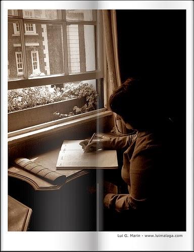 """""""Para viajar lejos, no hay mejor nave que un libro"""". Emily Dickinson."""