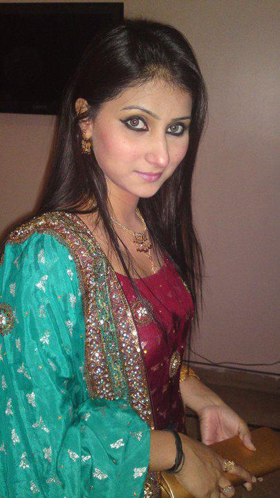 Fatima Mangi During Shooting