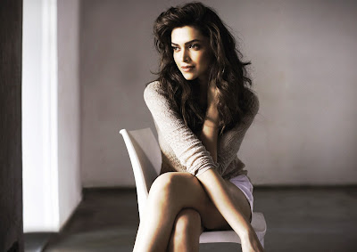 Deepika Padukone photo gallery sweet smile deepika padukone wallpapers.jpg