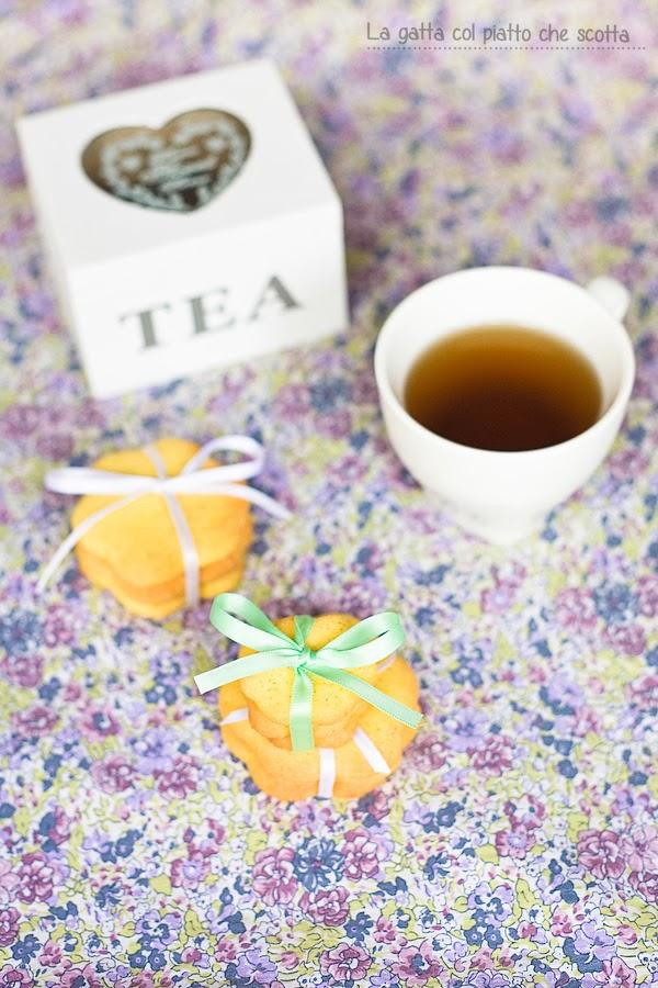 un tè tra amiche… e un anno insieme