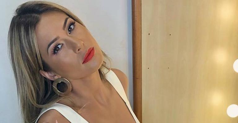 Lívia Andrade tem detalhes de sua mansão expostos por Leo Dias '