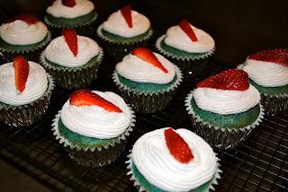blueberry cupcakes display