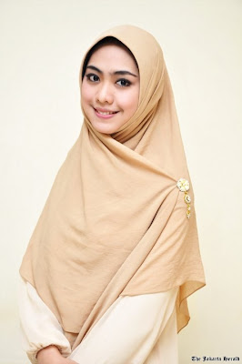 Cara Memakai Jilbab Modern 2012