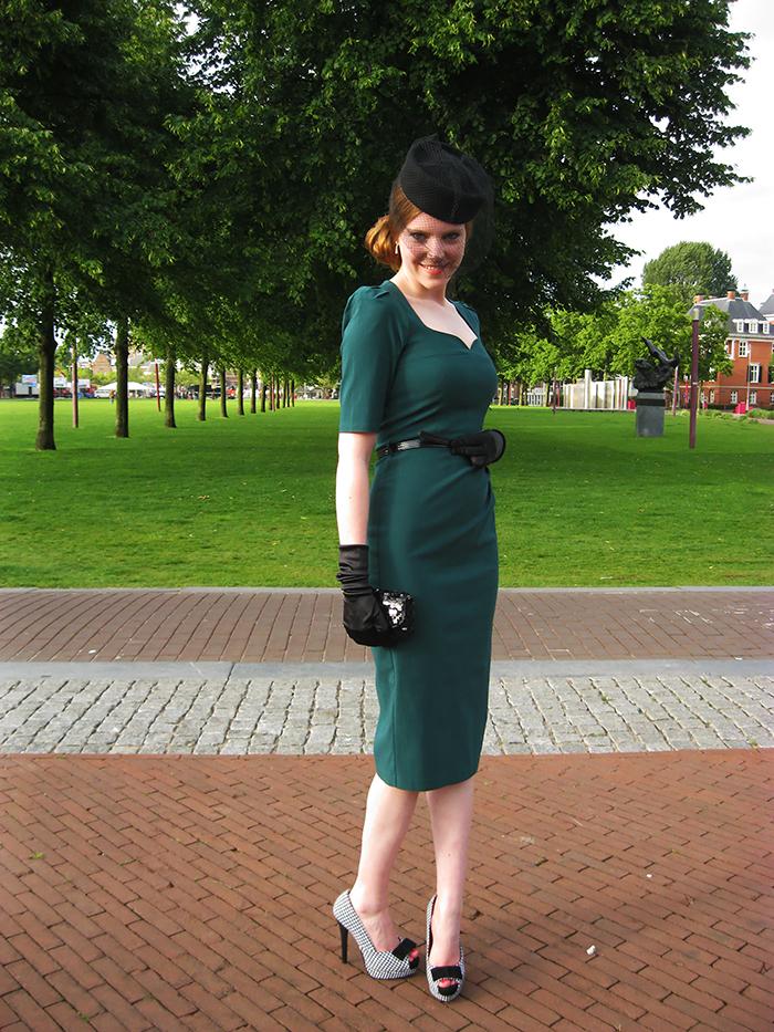 Pinup vintage fashion blogger pillbox veil houndstooth midi dress
