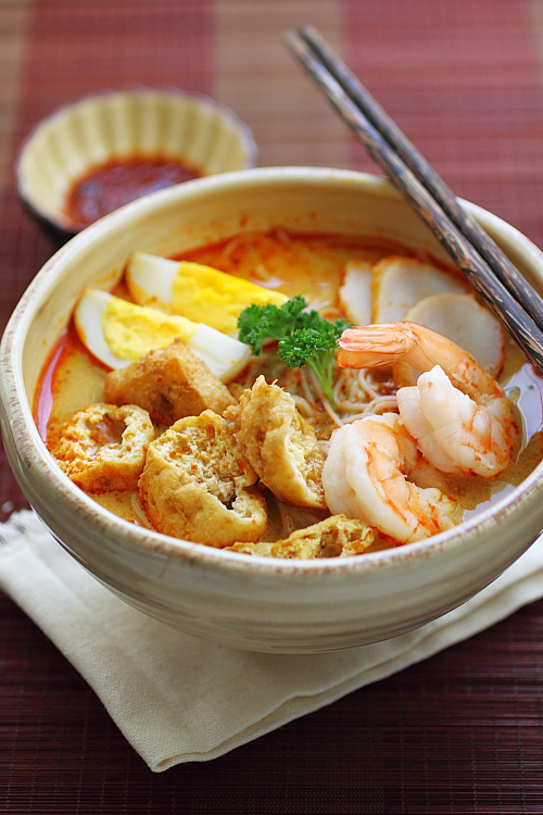 Get Stuffed!: Seafood Laksa recipe - Easy coconut curry