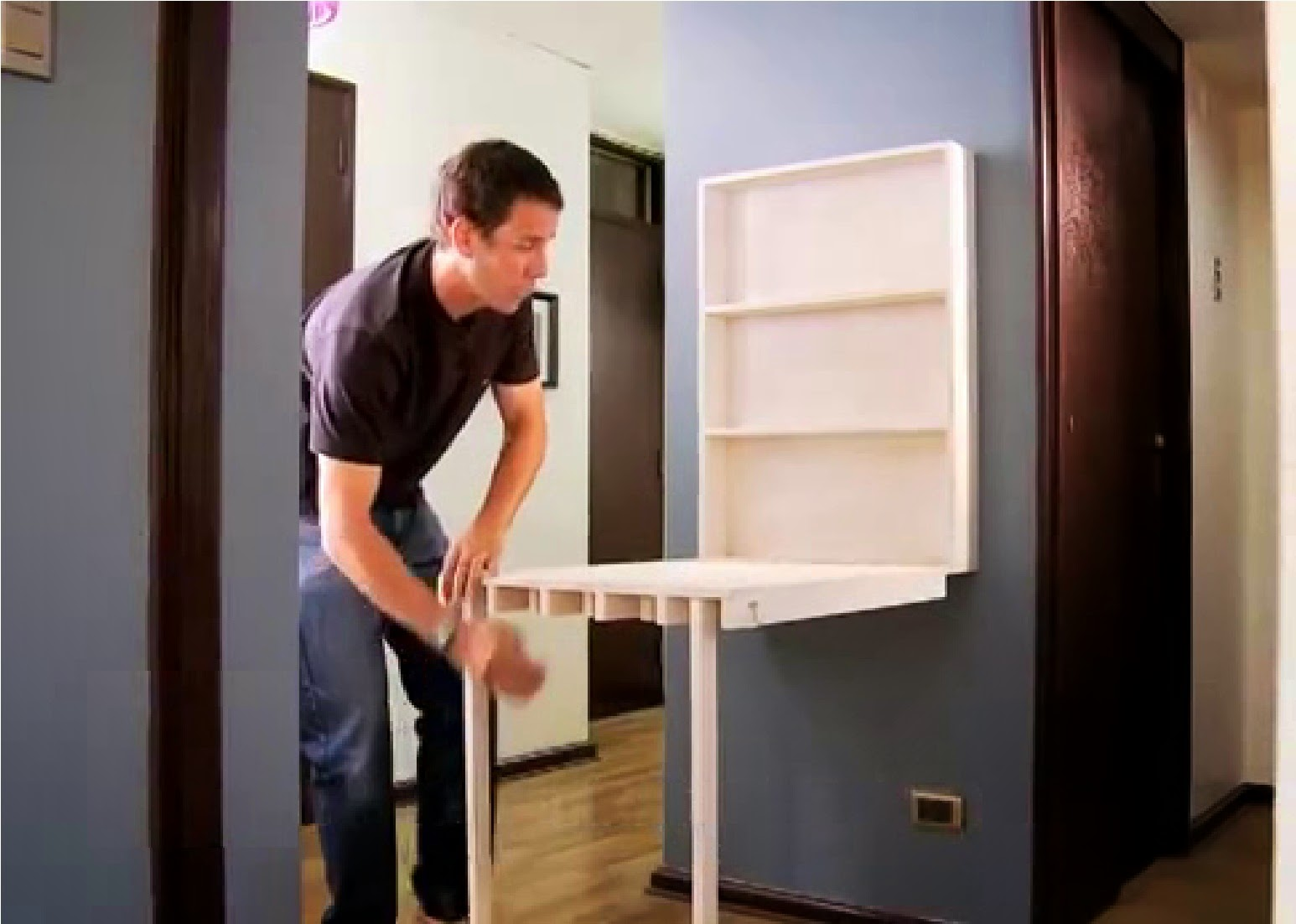 Muebles inteligentes el escritorio plegable for Muebles inteligentes