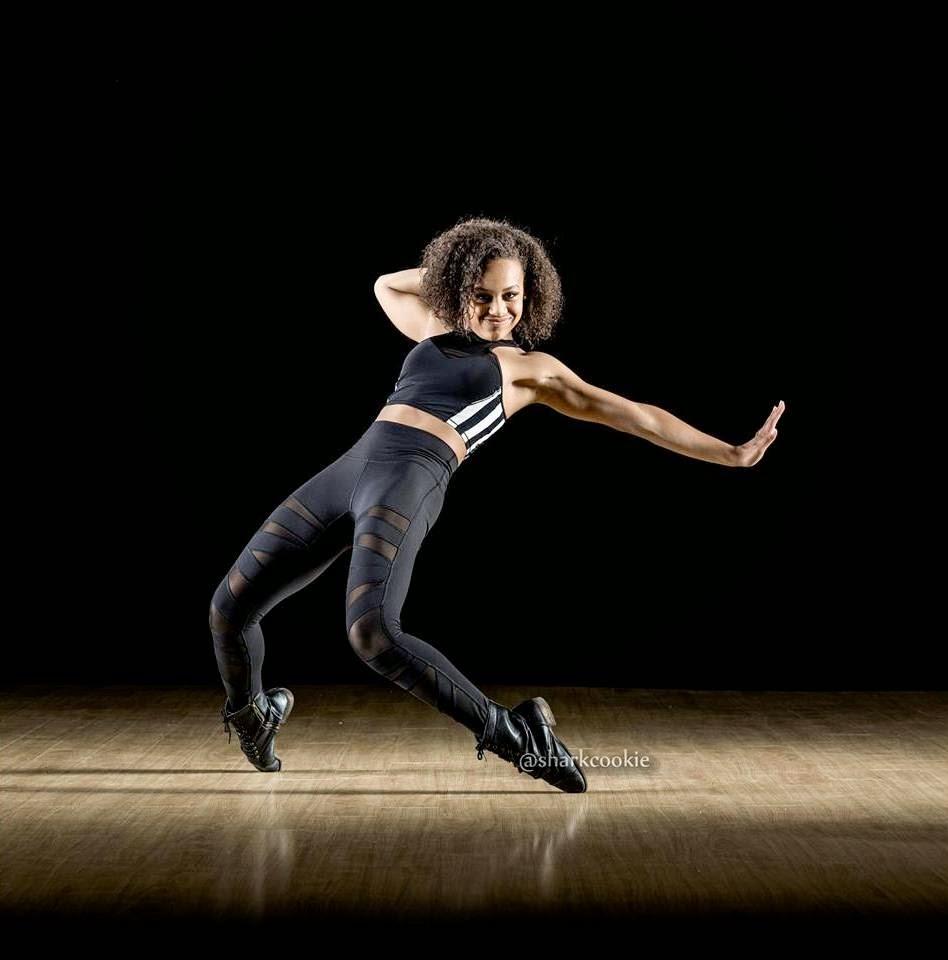 Dance Moms: Shark Cookie: Nia's Photo Shoot