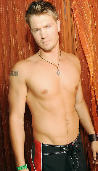 Chad Michael Murray almost nude in Sun