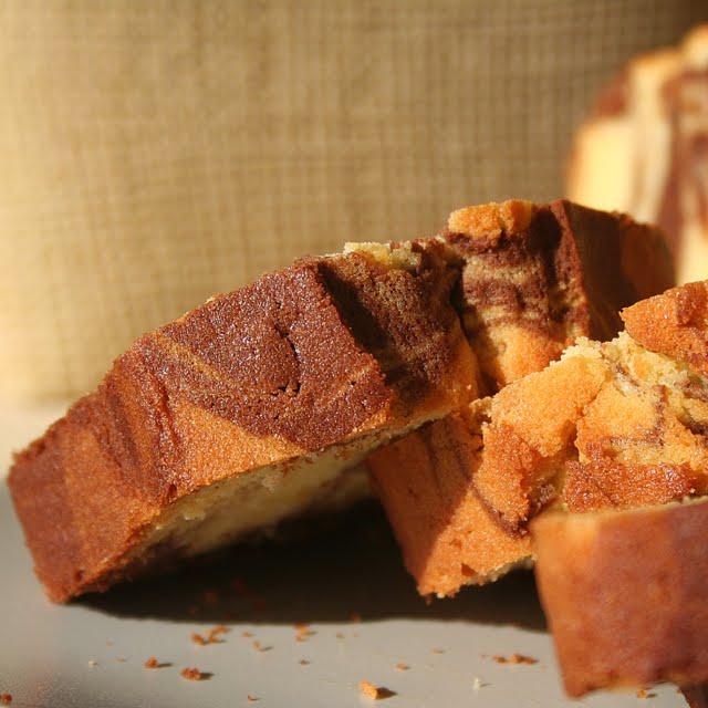 pepsakoy: Orange-scented Marble Pound Cake