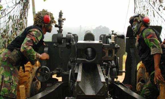 Penembakan artileri Latgab 2013