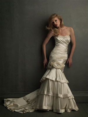 http://www.ebridalsuperstore.com/product/allure-bridals-size-10-used-wedding-dresses-second-hand-wedding-dresses-style-8700