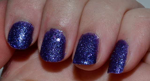 Can't Let Go Swatch by Elins Nails