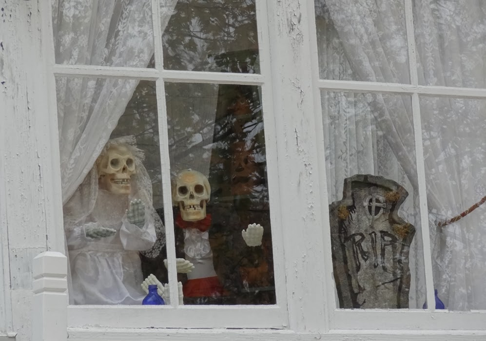 Bangor Maine Halloween,Decorations,Skeletons,Newlyweds