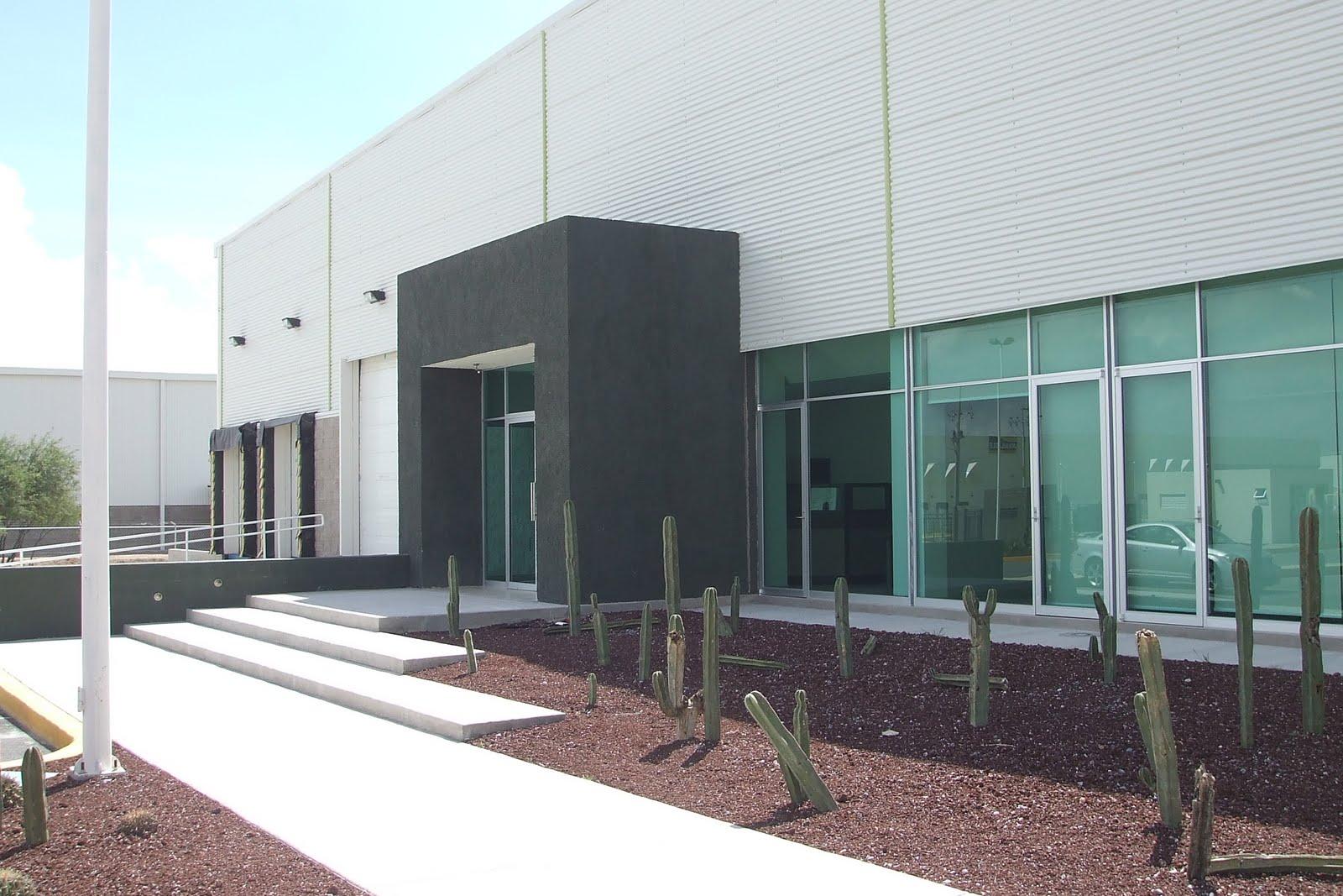 Arte y arquitectura por james gullo for Oficinas industriales modernas